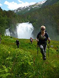 Trekking from Feigumfoss