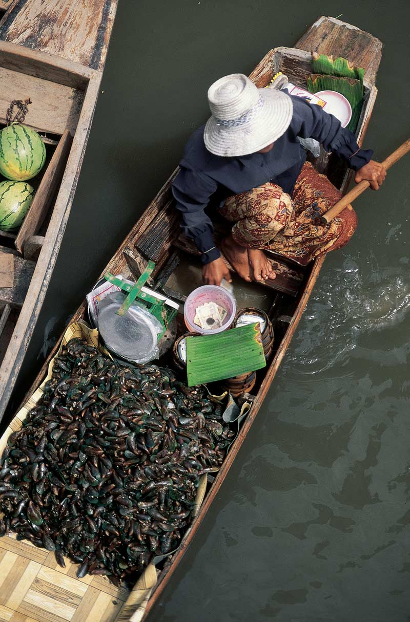 Trader in floating market, Bangkok