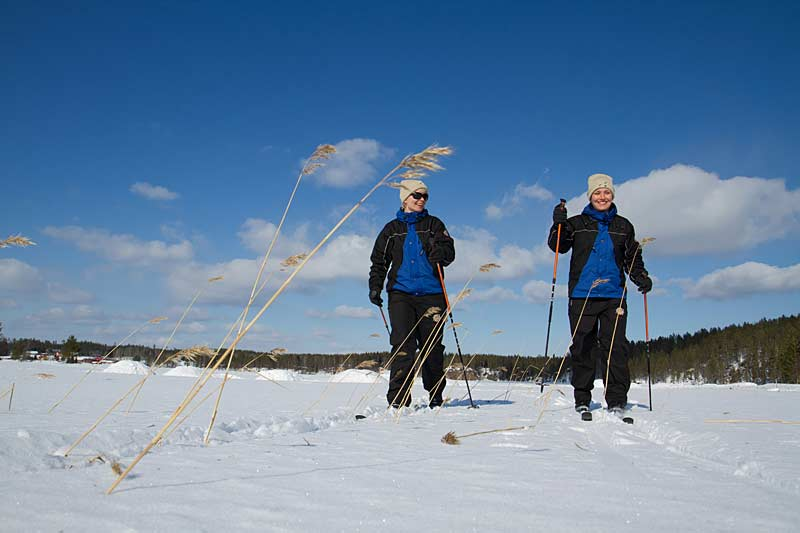 Learning to cross-country ski at Basecamp Oulanka