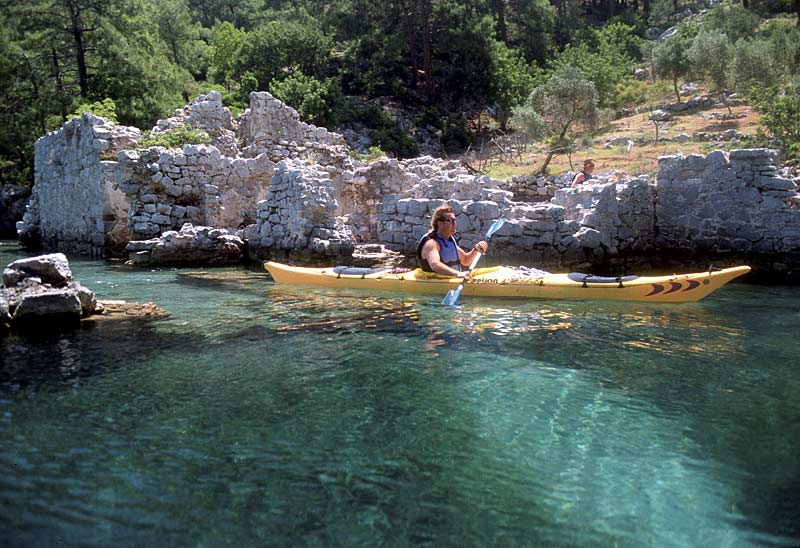 Kayaking amongst the ruins on the Turquoise Coast